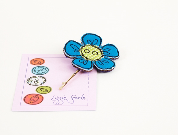 Blue flower hairgrip